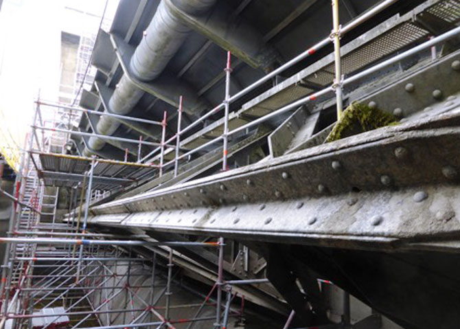 Stauwehr Bauwerkserhaltung von Altstahl